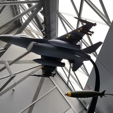 Model samolot wielozadaniowego F-16, skala 1:30